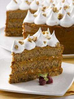 Torta de manjar nutorta ez y mere ngue Sweet Recipes, Cake Recipes, Chilean Recipes, Chilean Food, Pan Dulce, Pastry And Bakery, Bakery Cakes, Desert Recipes, Dessert Bars