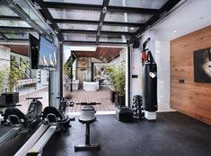 Garage workout room academia em home gym garage home gym room workout room home workout garage . Workout Room Home, Gym Room At Home, Home Gym Decor, Workout Rooms, Garage Gym, Basement Gym, Basement Kitchenette, Pool House Piscine, Small Home Gyms