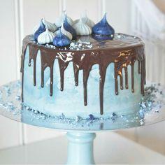@annebrith.no  #cake #kake #delikat #beautiful #inspo #kunst #blue #blå #detlilleekstra #dinbabyshower #nettbutikk #babyshower #dåp #navnefest #fødsel #gravid #baby www.dinbabyshower.no
