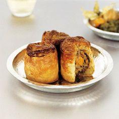 Pézenas Coeur de Ville, restaurants, plats, spécialités South of France. Petits pâtés de sardines comme à Pézenas