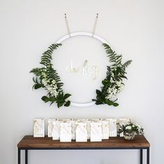 Minimalist Baby Shower Decorations Oh boy! Renata of sure knows how to throw a stylish Boho Baby Shower, Fiesta Baby Shower, Baby Shower Games, Baby Shower Parties, Baby Boy Shower, Baby Shower Goodie Bags, Baby Shower Backdrop, Simple Baby Shower, Baby Showers