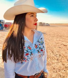 Ideas cowboy boats outfit summer shorts country tank tops for 2019 Cute Cowgirl Outfits, Rodeo Outfits, Sexy Cowgirl, Cowgirl Style, Preppy Outfits, Casual Winter Outfits, Western Outfits, Preppy Style, Western Wear