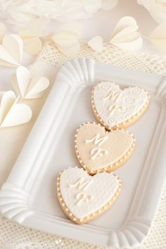 Heart shaped Wedding Cookies. Personalize with a monogram for a unique wedding treat.