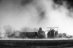 autumn morning - farm house on a foggy autumn morning Autumn Morning, Farm House, Niagara Falls, Nature, Travel, Landscapes, Naturaleza, Viajes, Trips