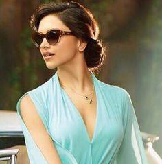 Deepika Padukone Hot Boobs Photos