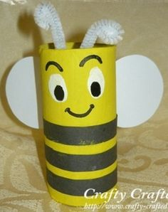 Toilet Paper Roll Bee a easy fun craft for kids to do Toilet Roll Craft, Toilet Paper Roll Crafts, Cardboard Crafts, Cardboard Playhouse, Insect Crafts, Bee Crafts, Toddler Crafts, Preschool Crafts, Diy For Kids