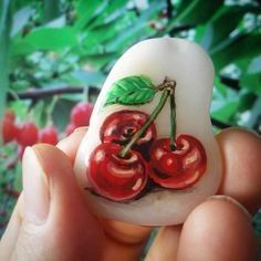Maybe you are looking for simple and easy painting ideas, this time I will share with my friend all about how to easy painting rock and beautifully. Pebble Painting, Pebble Art, Stone Painting, Diy Painting, Painted Clay Pots, Hand Painted Rocks, Pierre Decorative, Decorative Rocks, Inspirational Rocks