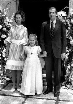 La reina Doña Sofia fue cliente habitual del taller de alta costura de Elio Berhanyer, de 1960 a 1974. Foto de 1963.