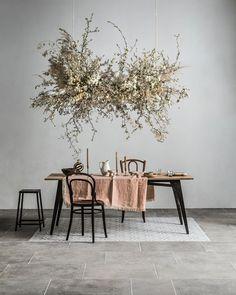 Deco Floral, Arte Floral, Floral Design, Lime Paint, Flower Installation, Deco Addict, Floral Chandelier, Decoration Inspiration, Decor Ideas