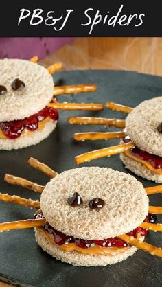 Fun Halloween Snack or Lunch idea - Peanut Butter and Jelly Spider Sandwiches. - Fun Halloween Snack or Lunch idea – Peanut Butter and Jelly Spider Sandwiches. PB&J Spiders. Comida De Halloween Ideas, Halloween Food For Party, Halloween Halloween, Halloween Food Ideas For Kids, Halloween Dinner, Women Halloween, Halloween Makeup, Kids Halloween Crafts, Halloween Jelly