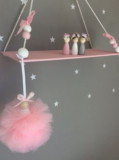 This excellent teenage girls room is an unquestionably inspirational and top-notch idea Pink Shelves, Wooden Shelves, Nursery Decor, Room Decor, Floating Shelf Decor, Bridesmaid Gift Boxes, Fantasy Bedroom, Hanging Beads, Kids Room Art