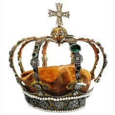 Royal crown of Württemberg  According to the Reichsdeputationshauptschluss, which reorganized the Empire as a result of the French annexation of the Left Bank of the Rhine, the Duke of Württemberg was raised to the dignity of Imperial Elector. Friedrich assumed the title Prince-Elector (Kurfürst) 25 February 1803, and was thereafter known as the Elector of Württemberg.