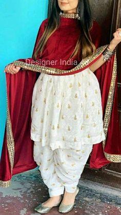 Party Wear Indian Dresses, Designer Party Wear Dresses, Kurti Designs Party Wear, Dress Indian Style, Indian Fashion Dresses, Indian Designer Outfits, Indian Outfits, Pakistani Dresses, Designer Wear