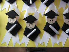 Kindergarten Graduation Ribbon Pins-these are stinkin cute!! pinning just because