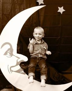 DIY Man in the Moon Birthday party photo booth