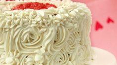 طريقة عمل الكيكة الحمراء المخمليّة بحشوة التشيز كيك - Delicious Red velvet cake with cheesecake stuffing