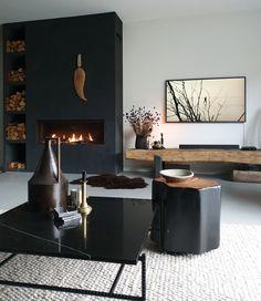 Black Walls, Old Wood, Concrete Floors, Home Deco, Modern Interior, Interior Inspiration, House Design, Flooring, Living Room