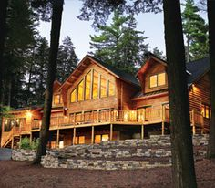 A Secluded Lakefront Log Home: Right Property, Right House