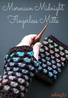 Moroccan Midnight Fingerless Mitts - free #crochet pattern on Moogly! Be sure to…