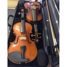 Need to carry 2 fiddles? 🎻🎻 This is the Bam Hightech Two Violins Case; its streamlined design (about the size of the Hightech viola case) makes for easy handling. Bam cases for #violin #violinist #viola #violist #cello #cellist #fiddle #fiddler #concordmusicalsupplies