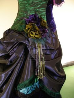 Flower detail for peacock victorian dress Detail of Peacock Dress Peacock Costume, Peacock Dress, Purple Dress, Steampunk Costume, Gothic Wedding, Prom Dresses, Wedding Dresses, Costume Dress, Fashion Accessories