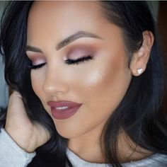 We are awe @makeupme5 and her beauty ❤️ We love how she paired this rosy look with Girlactik's Matte Lip Paint in Demure.