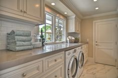 Love this Laundry Room! My dream laundry room inspiration! Laundry Room Storage, Laundry Room Design, Laundry In Bathroom, Basement Laundry, Small Laundry, Laundry Area, Downstairs Bathroom, Laundry Closet, Storage Room