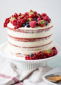 Naked red velvet cake met fruit - Cakeje Van Eigen Deeg