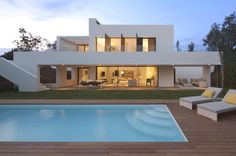 Luxury Spanish Villa 10 Holiday Home Inspiration: White Villa at PGA Catalunya Resort Spanish Villas, Luxury Interior Design, Interior Decorating, Modern House Design, Exterior Design, Luxury Homes, Luxury Life, Architecture Design, Mansions