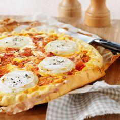 FAIT LE 21.01.2017 BON MAIS PAS À REFAIRE, MEILLEUR AVEC LA CREME........ Découvrez la recette de la pizza chèvre miel