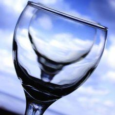 خلال اﻷسبوع الماضي كانت لدينا مجموعة جميلة ومميزة من الصور، وكذلك أصدقاء جدد إنضمو لمشروعنا ^_^  موضوع صورة اﻷسبوع السابع سيكون: زجاجي - Glass  المطلوب تصوير أي شئ زجاجي فقط ﻻ غير!  الوسوم الخاصة بهذا اﻷسبوع هي: #زجاج #زجاجي   #Glass الموعد:  البداية من يوم اﻹربعاء 12-2-2014 وحتى يوم الثلاثاء 18-2-2014     القواعد العامة هي نفسها: - ان تكون الصورة التقطت من قبلك خلال الفترة المحددة في اﻷعلى. -اﻻلتزام بالموضوع اﻷسبوعي المعلن عنه. -أرجو أن ﻻتحتوي الصور على أي مواضيع أو مشاهد ﻻ تتماشى مع… White Wine, Alcoholic Drinks, Abstract, Glass, Artwork, Alcoholic Beverages, Work Of Art, Drinkware, White Wines