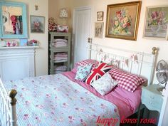 1000 images about vintage bedrooms on pinterest cath for Cath kidston bedroom ideas