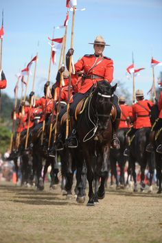Beautiful image taken during an RCMP Musical Ride performance. The Musical Ride was first performed in 1887 and now it is one of the best-known Canadian symbols worldwide. Moraine Lake, George Vi, Canadian Symbols, All About Canada, Canadian Culture, Canadian Things, Canada 150, My Land, Koh Tao