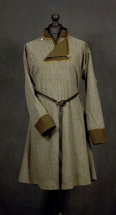 Made of: gray and bronze wool fastened with 1 antler button. All trimmers are handsewn. Viking Tunic, Viking Garb, Viking Men, Viking Dress, Viking Costume, Medieval Costume, Norse Clothing, Medieval Clothing, Viking Shop