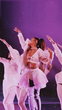 My fave outfit from the Sweetener tour💕💜💗 Ariana Grande Fotos, Ariana Grande Concert, Ariana Grande Cute, Ariana Grande Photoshoot, Ariana Grande Pictures, Ariana Grande Background, Ariana Grande Wallpaper, Ariana Grande Sweetener, Dangerous Woman