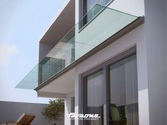 Marquesina modelo Linea de Faraone en terraza de vivienda