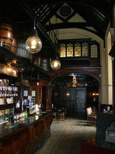 The Cittie of Yorke pub, Holborn, London WC1. Has wood panelled booths to right of photo.