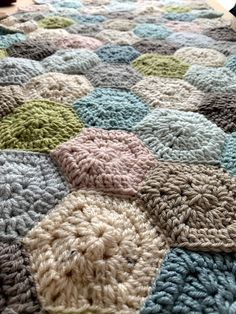 Coco Rose Diaries Coco Rose Diaries, Color Inspiration, Knit Crochet, Diy Crafts, Blanket, Knitting, Creative, Room, Bedroom
