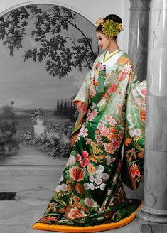 Japanese Costume, Japanese Kimono, Traditional Fashion, Traditional Dresses, Geisha, Ikebana, Yukata Kimono, Kimono Design, Royal Clothing