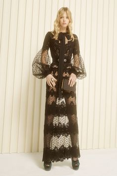 Elie Saab Pre-Fall 2017 Collection Photos - Vogue