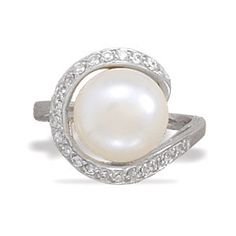 Freshwater pearl ring.   #wedding  #jewelry