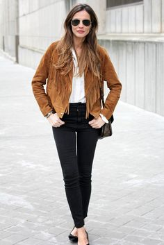 tylish Brown Suede Jacket Outfit for Fall