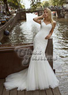 Modeca 2020 Fabienne disponible dans notre boutique A l'infini mariage Lace Wedding Dress, Gorgeous Wedding Dress, Designer Wedding Dresses, Bridal Dresses, Wedding Gowns, Riga, Romantic Lace, Bride Look, Lace Bodice
