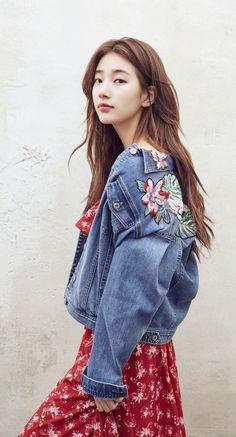 Suzy x Guess Korean Girl, Asian Girl, Miss A Suzy, Fade Styles, Bae Suzy, Korean Celebrities, Kpop, Korean Actresses, Ulzzang Girl
