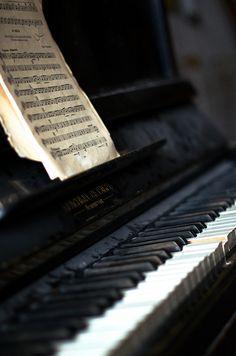 Dusty piano