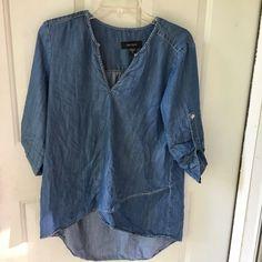KAREN KANE Blouse Womens Small Blue Chambray 3/4 Sleeve Hi Low Hem Asymmetrical   eBay Denim Button Up, Button Up Shirts, Chambray Top, Karen Kane, Bell Sleeve Blouse, Peasant Tops, Shirt Blouses, Sleeves, Blue