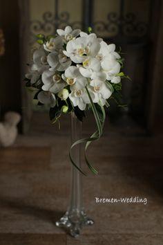 胡蝶蘭と葉もののモダンブーケ|生花ブーケ(DESIGN)|ブレーメンウェディング