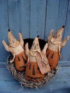 Prim pumpkin ghosts
