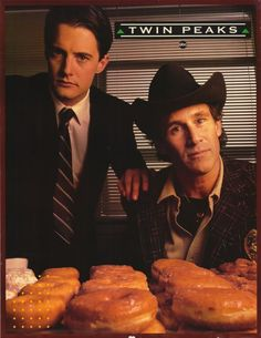 """CAST: Kyle MacLachlan, Michael Ontkean, Mädchen Amick, Dana Ashbrook, Richard Beymer, Laura Flynn Boyle; DIRECTED BY: David Lynch; Features: - 11"""" x 14"""" - Packaged with care - ships in sturdy reinforc"""