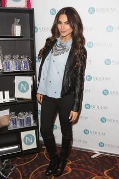 Alejandra Espinoza at Latin Grammy Awards 2014 checking out Nerium.  www.lc2305.theneriumlook.com